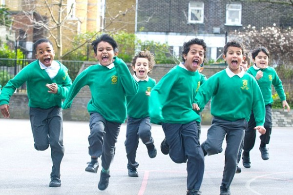 Kinderen lopen hard op school